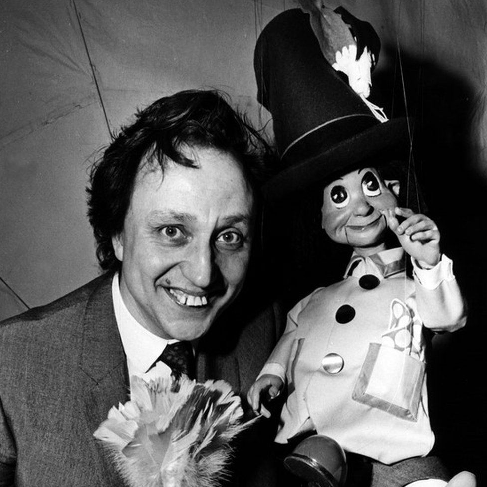 Ken Dodd and a Diddyman in the 1960s