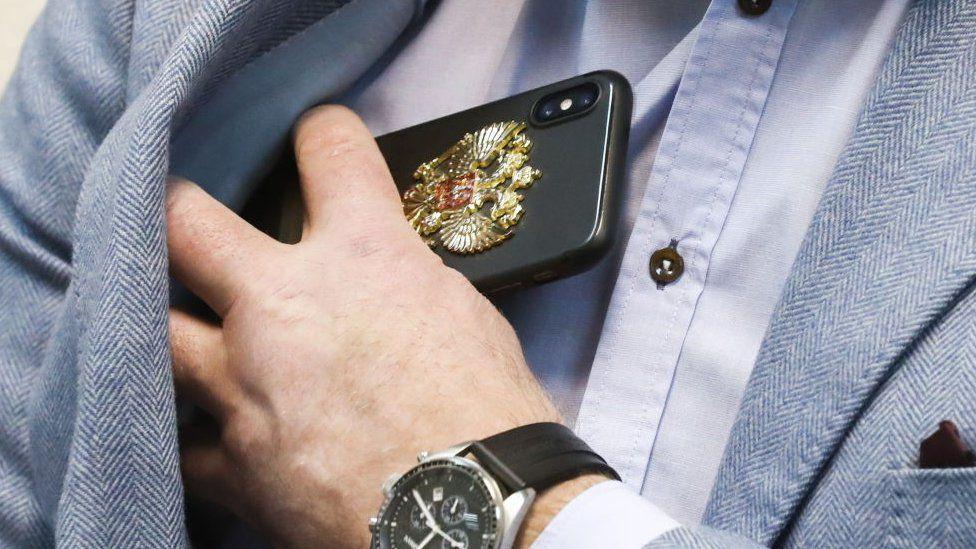 Apple снизит цены? Насколько дороги айфоны в пересчете на зарплату россиян