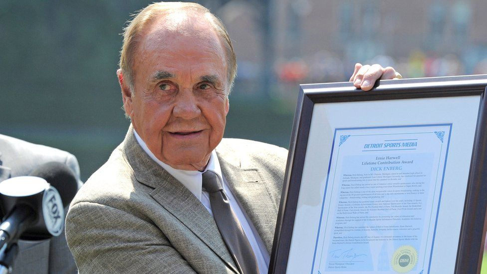 US sports broadcaster Dick Enberg receives the lifetime achievement award prior to a game with the Los Angeles Dodgers and the Detroit Tigers at Comerica Park in Detroit, Michigan, US, 20 August 2017