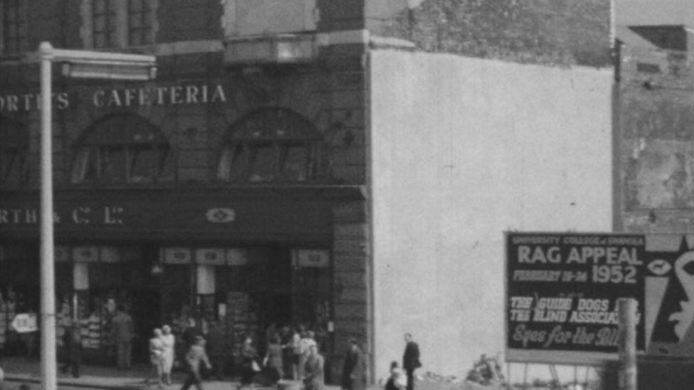 Ffilm 'Swansea Reconstruction' (1950)