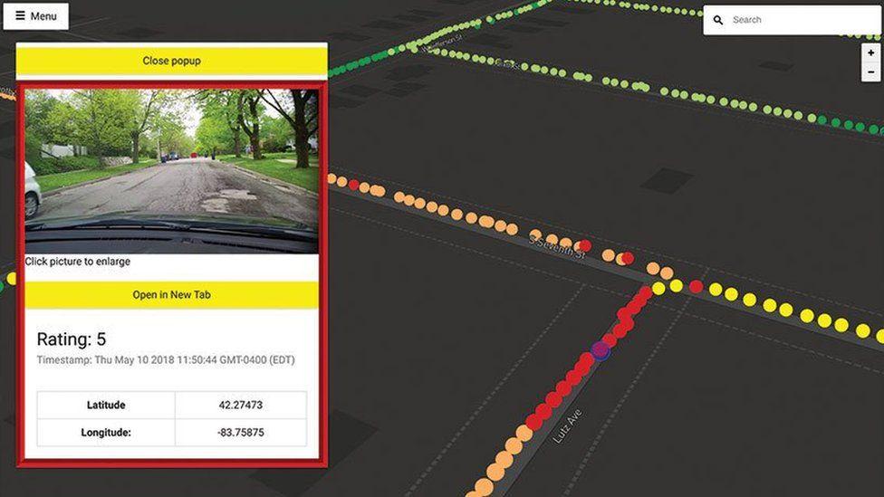 Screenshot of pothole image on map