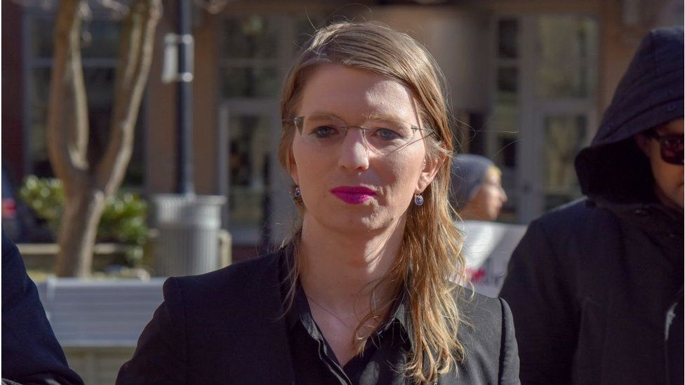 Chelsea Manning prepares to enter the Albert V. Bryan U.S. District Courthouse on Tuesday, March 5, 2019, in Alexandria, VA