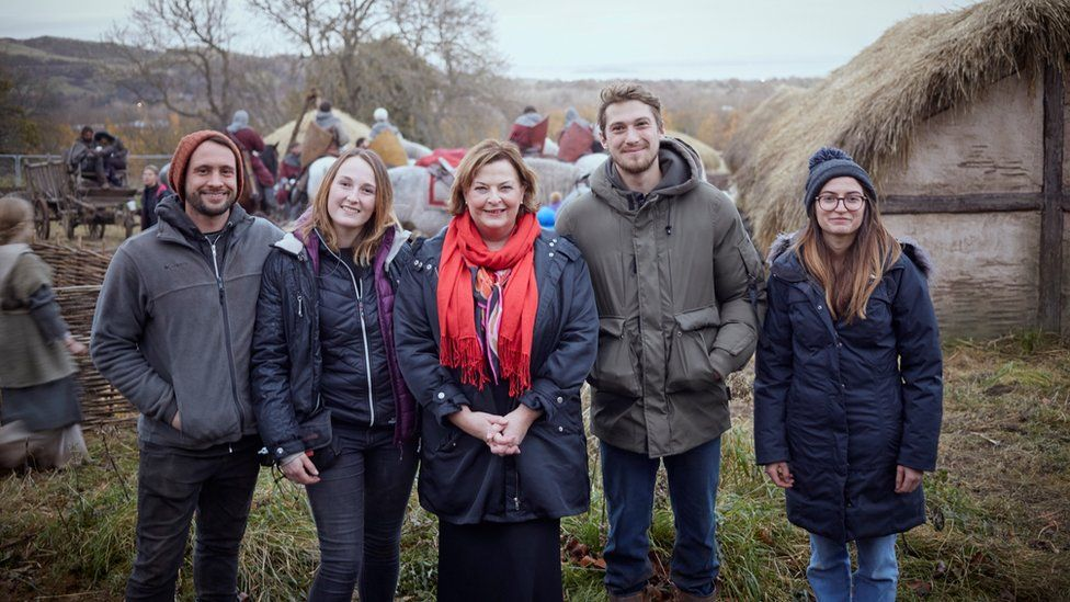 Fiona Hyslop visits Outlaw King
