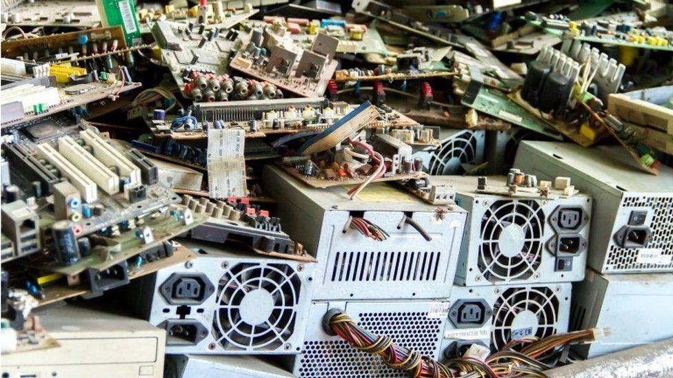 Dump of desktop computers