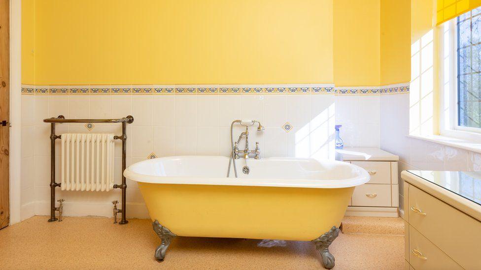 Bathtub in Tolkien house