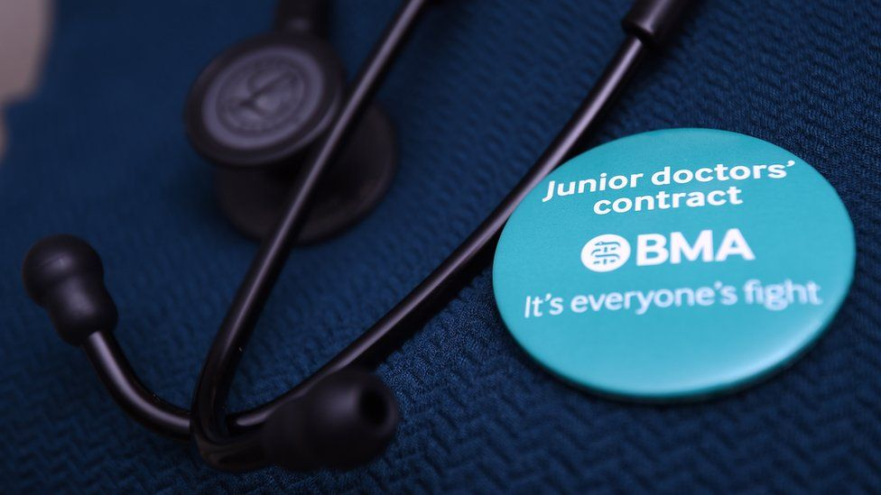 Badge in support of junior doctors fight against new contracts