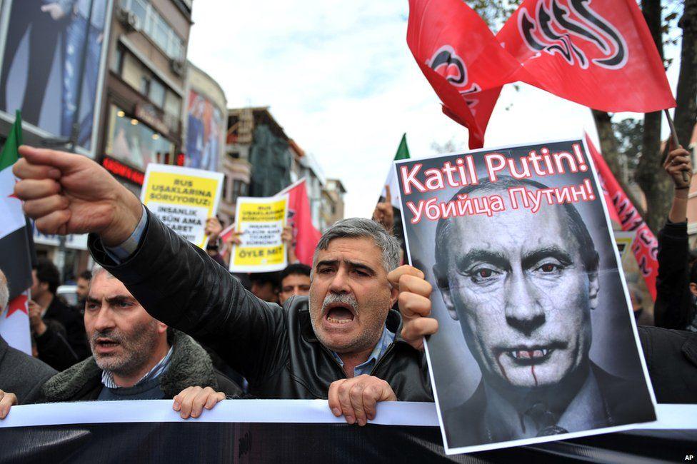Anti-Putin demonstrators in Istanbul, 27 November