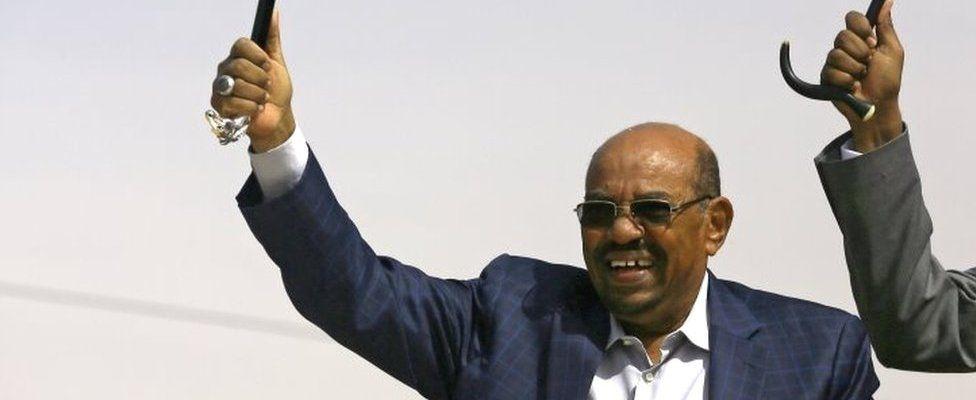 Sudanese President Omar al-Bashir in north Darfur (01 April 2016)