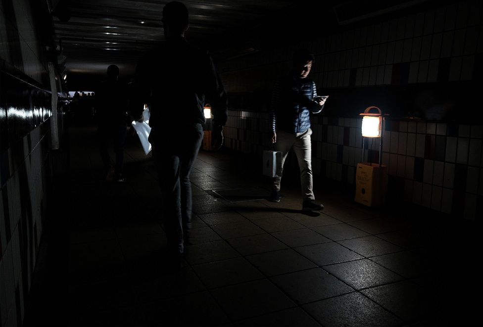 Power cut affected Clapham Junction train station