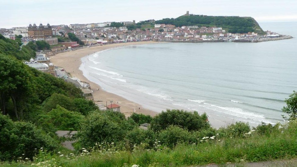 View towards Scarborough from South Cliff path in 2012