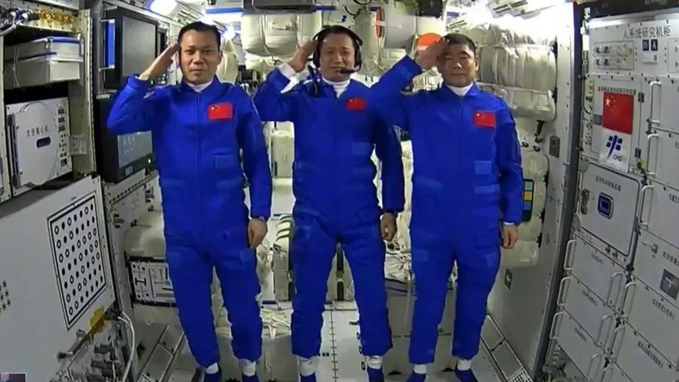 Chinese astronauts on Tianhe module
