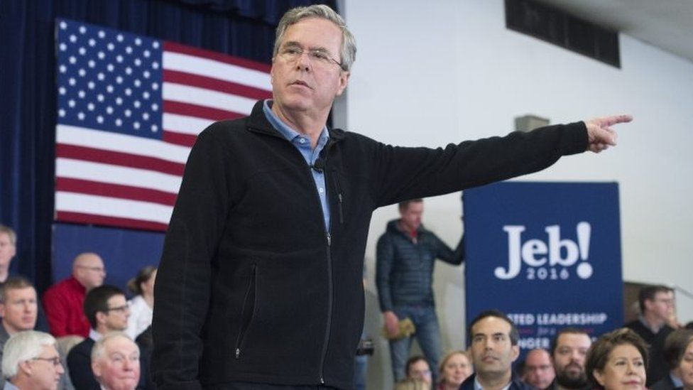 Republican presidential candidate Jeb Bus campaigns in New Hampshire (15 February 2016)