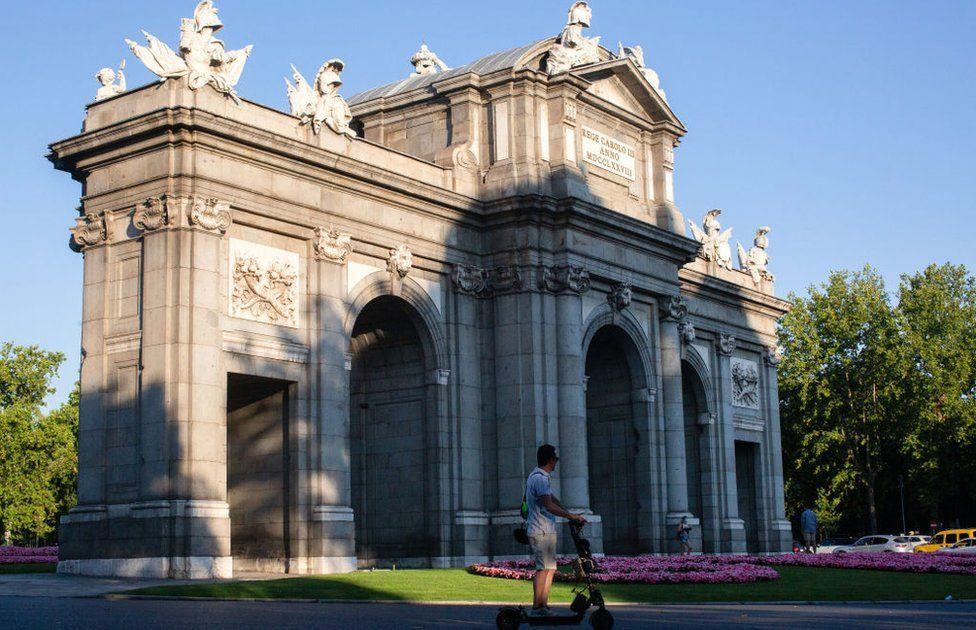 Unesco adds Madrid's Paseo del Prado and Retiro Park to heritage list thumbnail