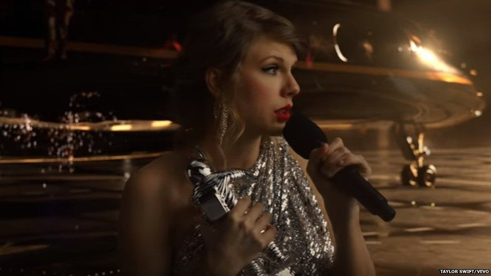Taylor Swift with her MTV VMA