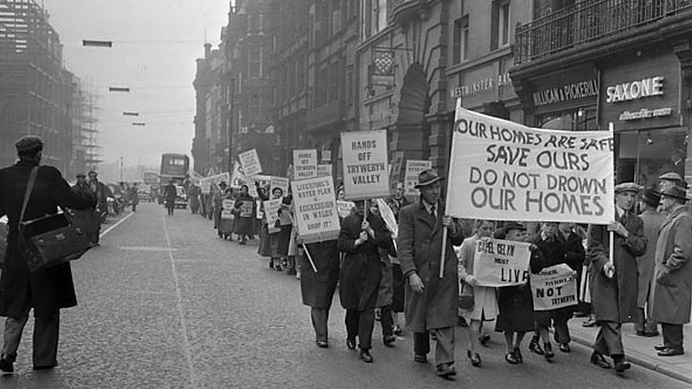 Liverpool protest by Capel Celyn residents