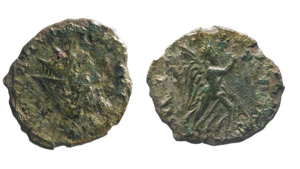 'Incredibly rare' Roman coin found during A14 roadworks