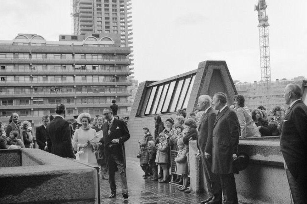 Queen attends Barbican opening