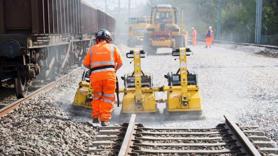 Generic track renewal image