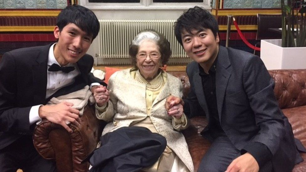 Dame Fanny Waterman with Eric Lu (left) and Lang Lang