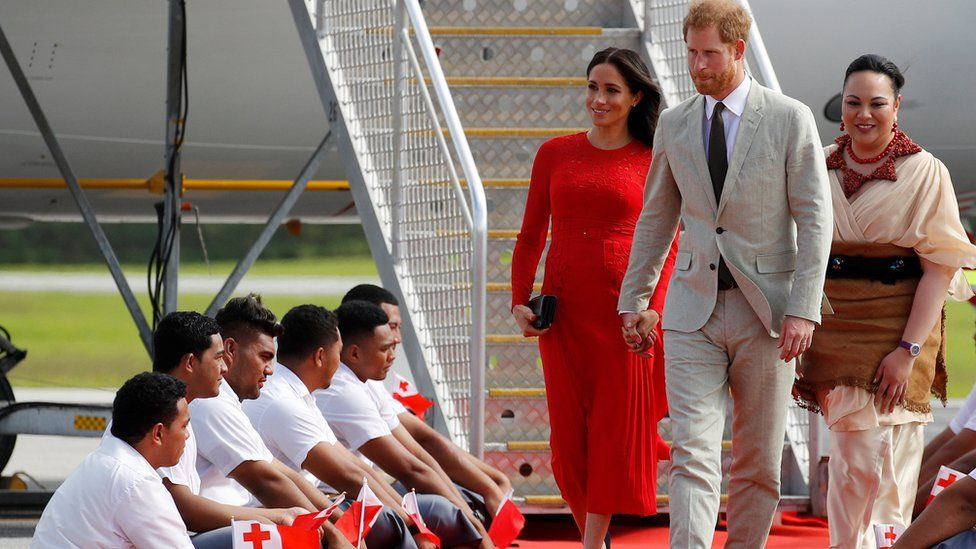 Meghan and Harry arrive in Tonga