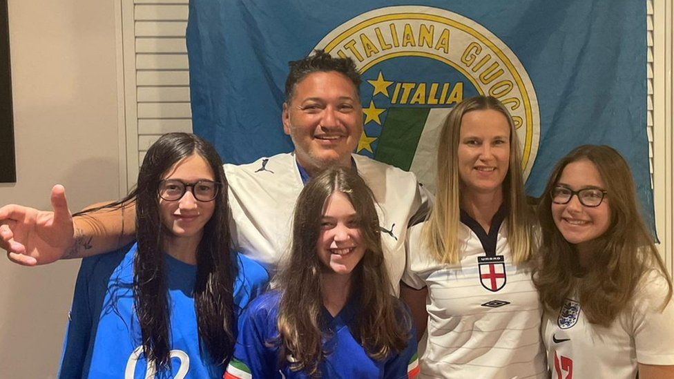Ciro Ciampi with his wife and three of his daughters