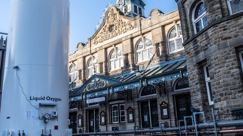 An oxygen cylinder outside the Royal Hall, Harrogate