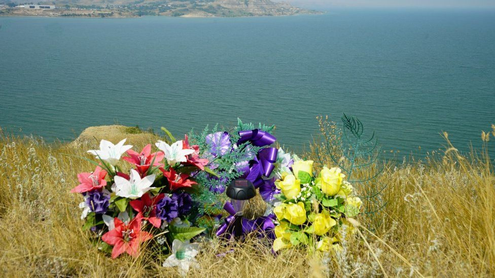 A memorial overlooking Lake Sakakawea