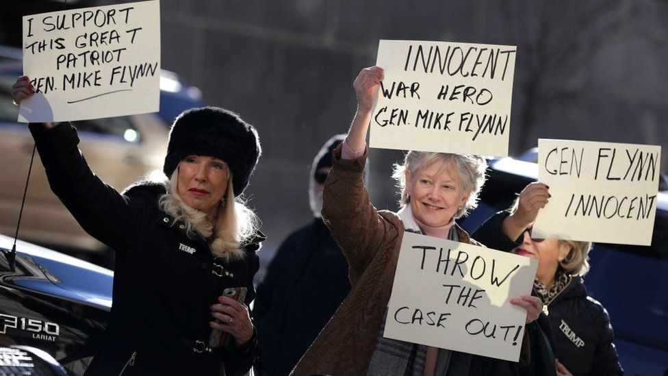 Supporters of Flynn chanted outside the court as he arrived