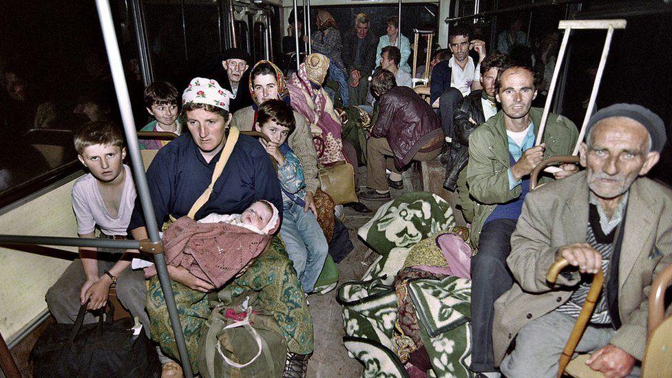 Евакуація біженців з Жепи