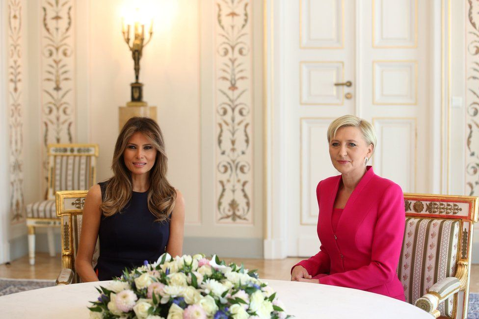 Polish First Lady Agata Kornauser-Duda (R) and US First Lady Melania Trump (L) during a tete-a-tete meeting in Belweder Palace in Warsaw, 6 July