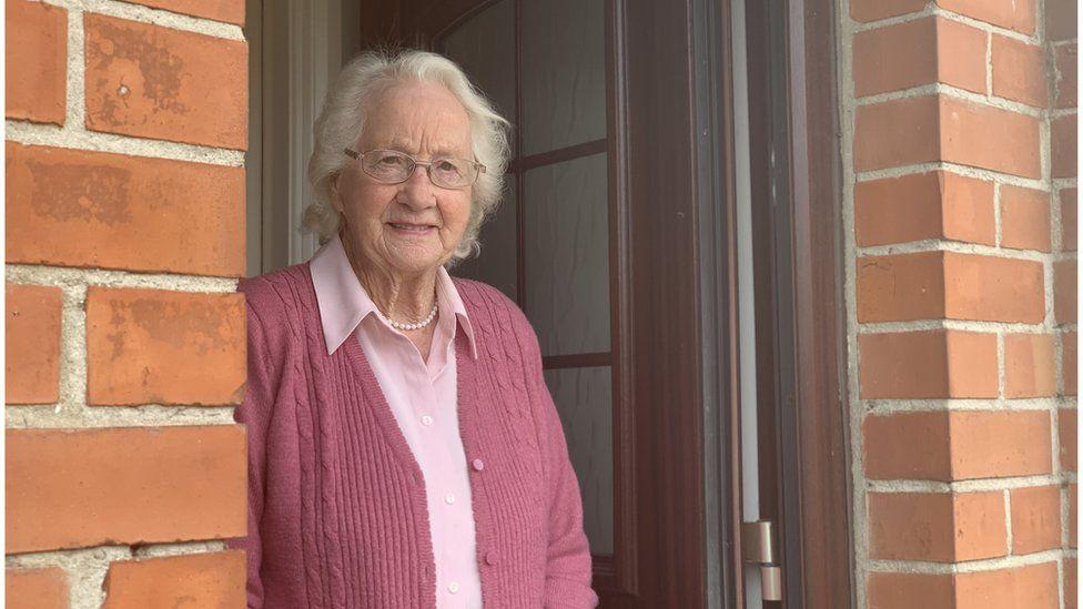 Edna Calvert
