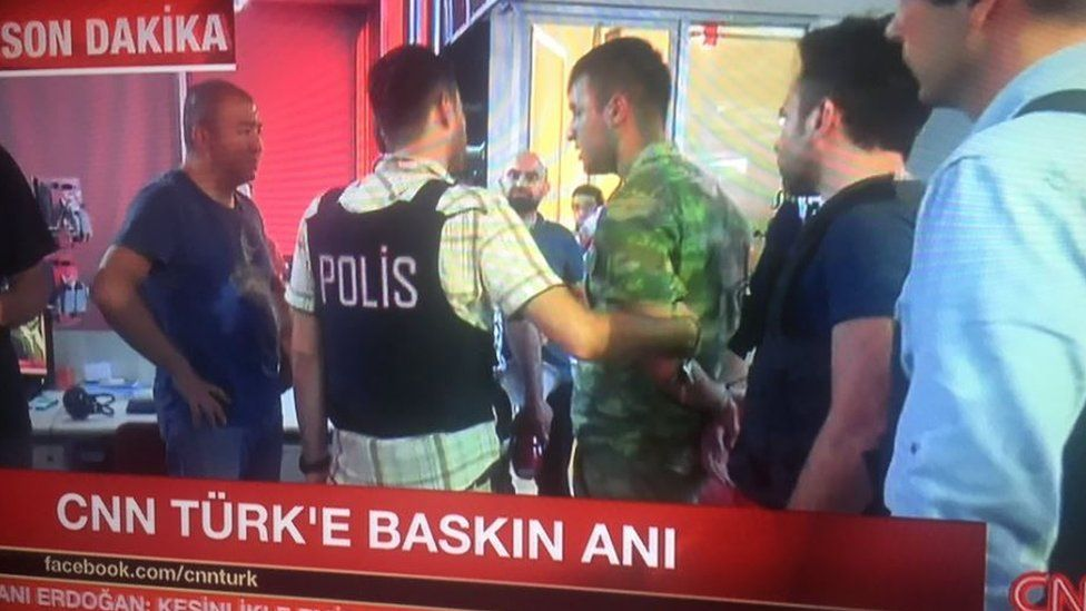 Soldiers arrested at CNN Turk