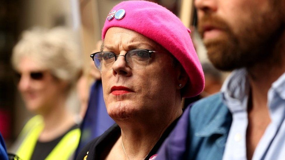 Eddie Izzard stands alongside pro-Europe protesters