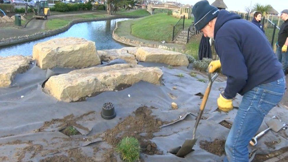 Keith Ingram digging at The Waterways