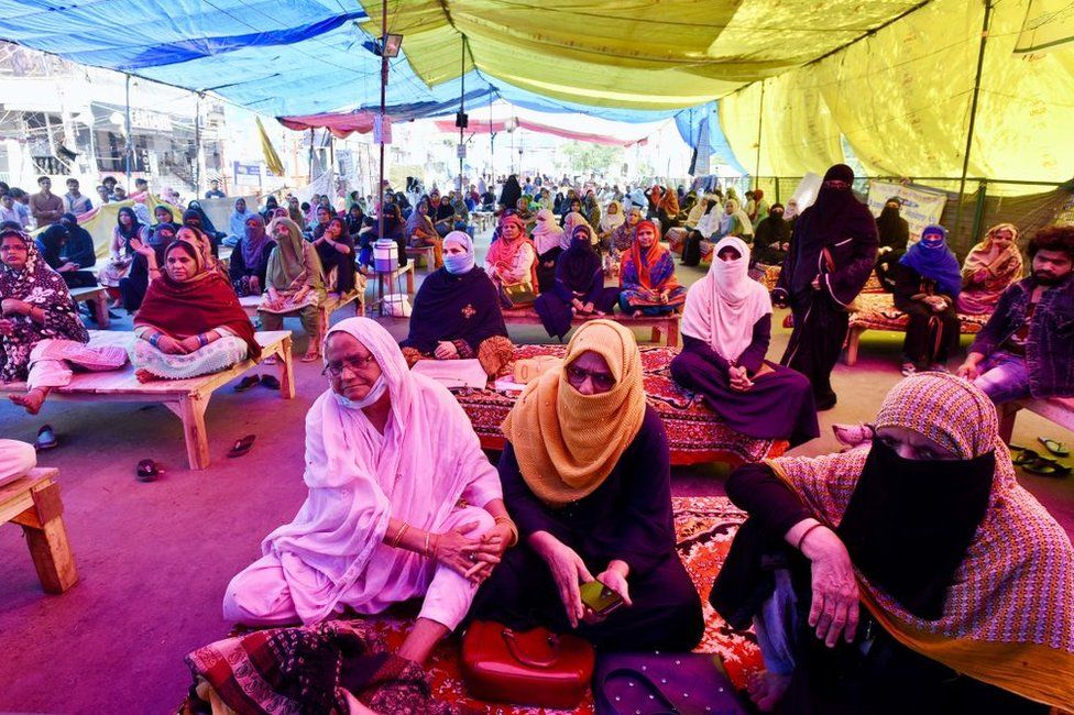 Women of Shaheen Bagh continue their sit-in protest against the CAA-NRC-NPR despite the Coronavirus advisory issued by Delhi government, at Shaheen Bagh on March 17, 2020 in New Delhi, India.