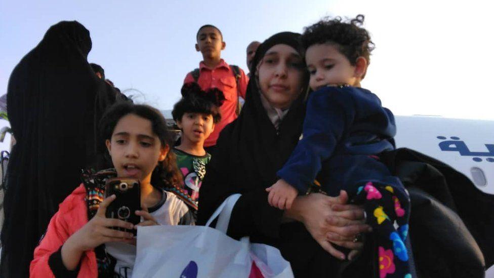 Safia Saleh a'i phlant