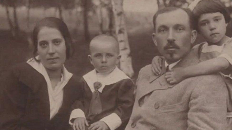 Alfreda Starza's family 1940