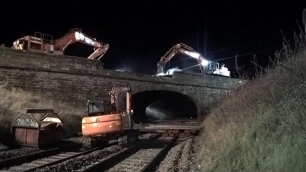 Abbeyton Bridge demolition