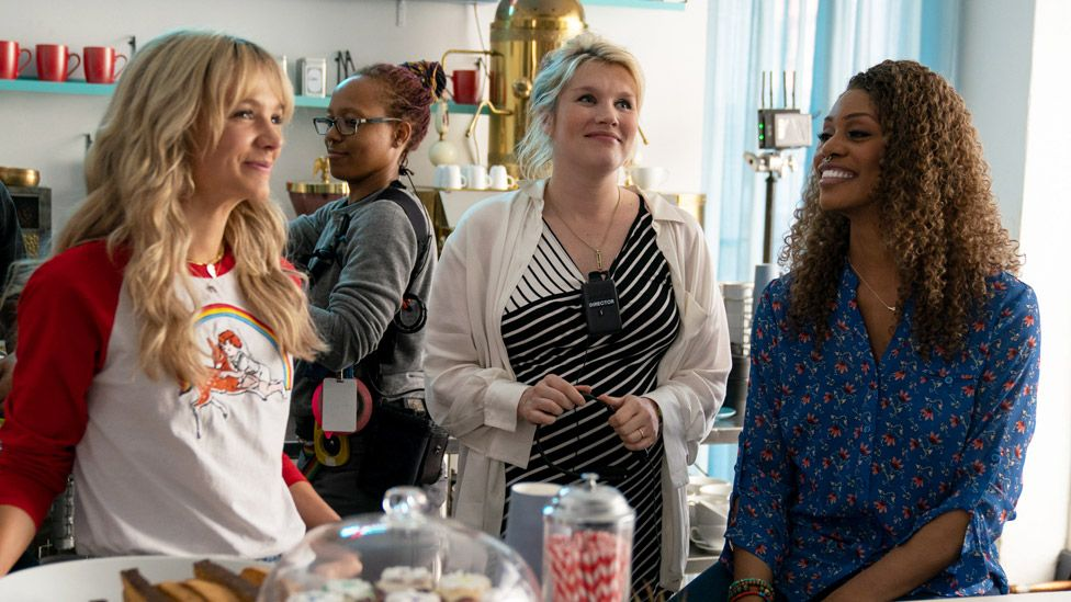 Carey Mulligan, Emerald Fennell and Laverne Cox on the set of Promising Young Woman
