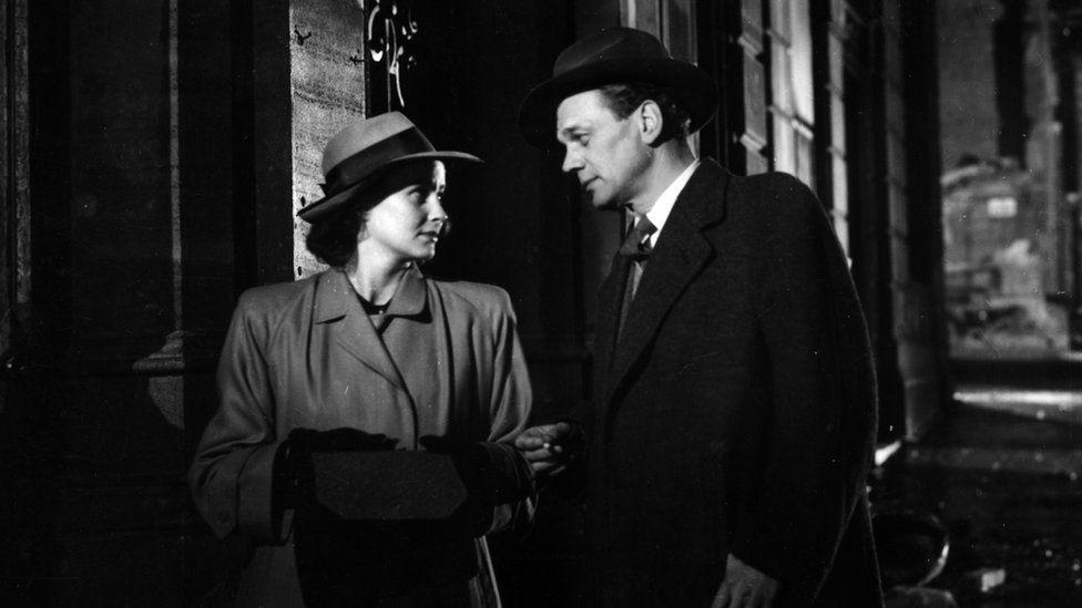 Alida Valli and Joseph Cotton