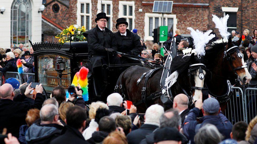 Sir Ken Dodd funeral cortege