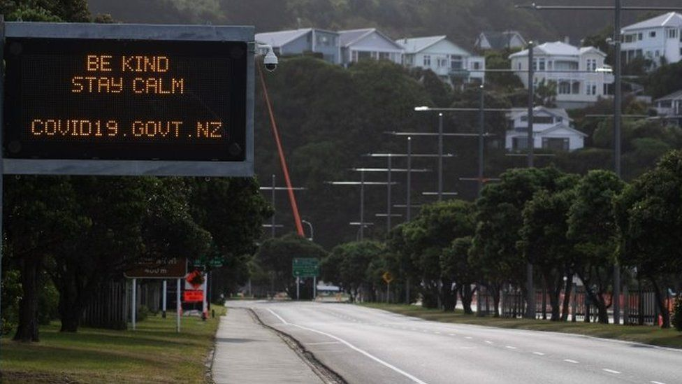"""A motorway sign reads """"Be kind and stay calm"""""""