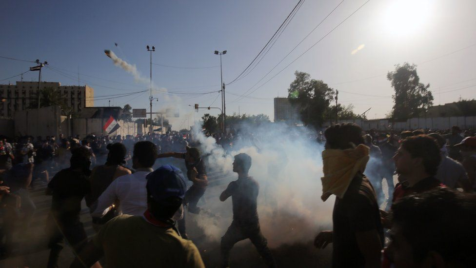 Anti-government protesters storm Baghdad's Green Zone, 20 May