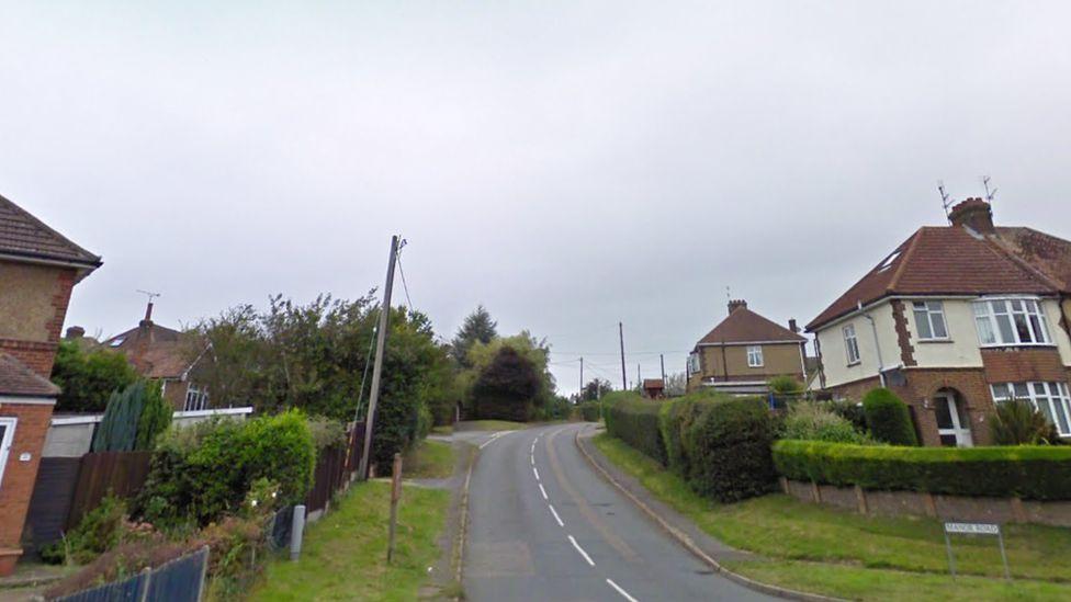 Manor Road, Caddington