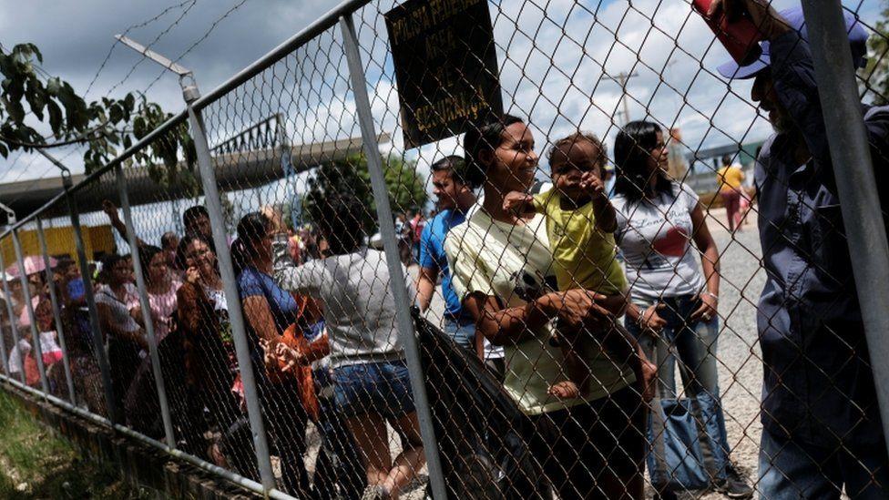 Brasileiro é mais tolerante à entrada de refugiados do que média internacional, mostra pesquisa