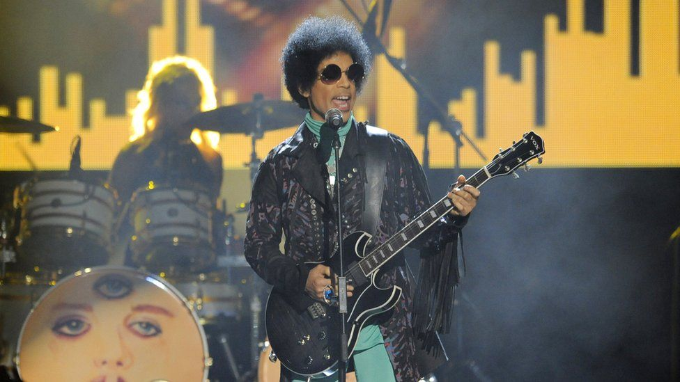 Prince performs in 2013