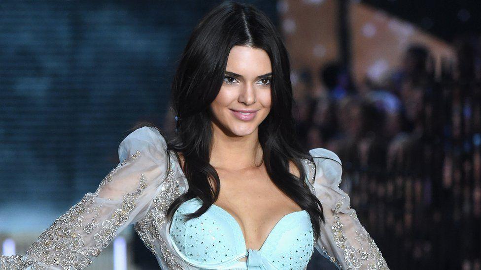 Kendall Jenner en una pasarela de modas