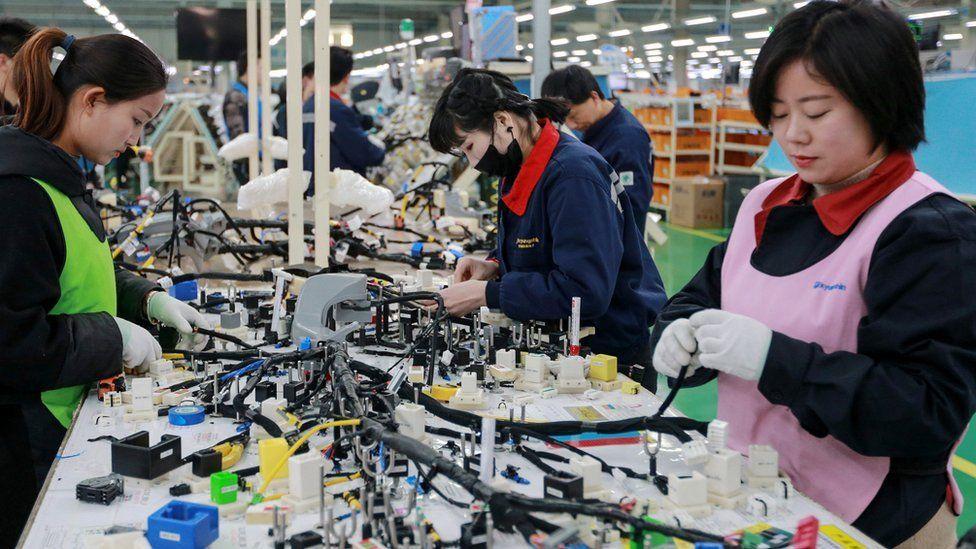 Fake Lego gang' dismantled in $30m Chinese raid - BBC News