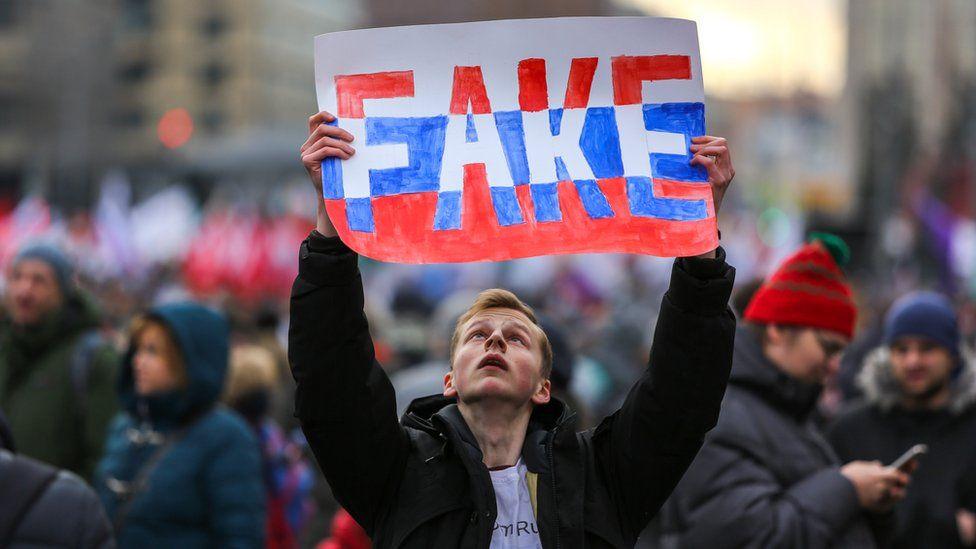 Как не разориться на штрафах за фейки и оскорбление власти. Краткий справочник