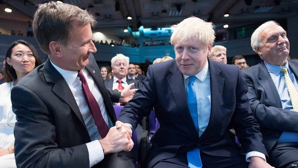 Jeremy Hunt congratulating Boris Johnson after his victory